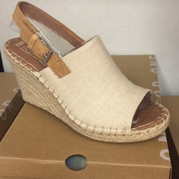 9524c9cf9365 Toms Monica natural hemp leather wedge brand new